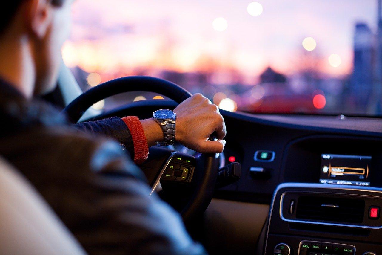 Wynajem samochodów dostawczych: czy to się opłaca?